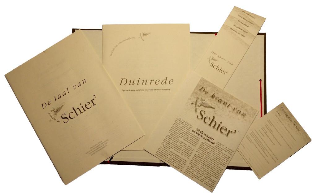 De geschriften van de Club van Schier, gebundeld in een leesmap.